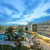 Отель HARRIS Resort Waterfront Batam в городе Sekupang, Индонезия